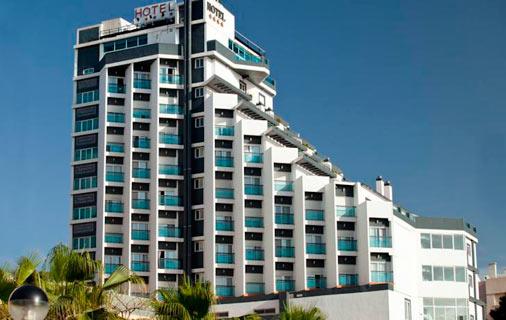hotel-la-familia-gallo-rojo
