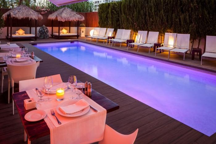 se137-5310-su-hotel-de-lujo-en-ibiza