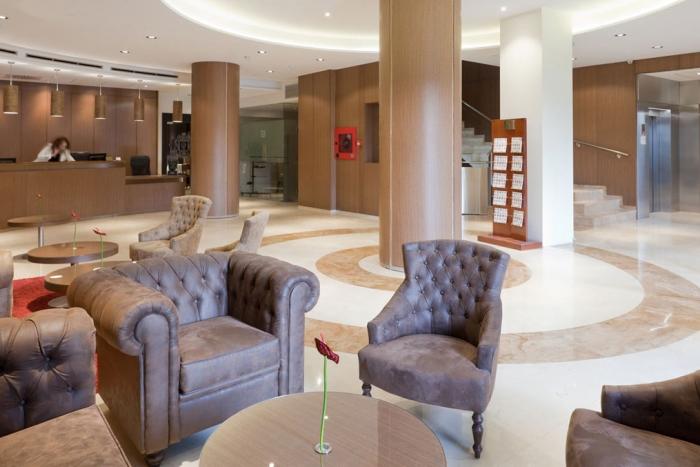 hotel-reina-cristina-recepcion