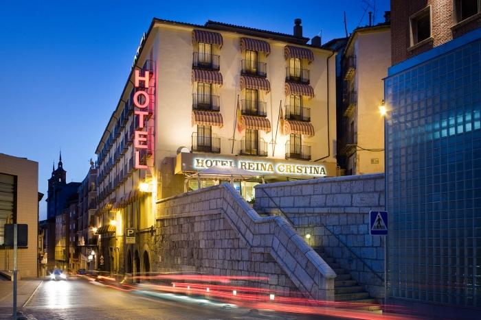 hotel-reina-cristina-fachada